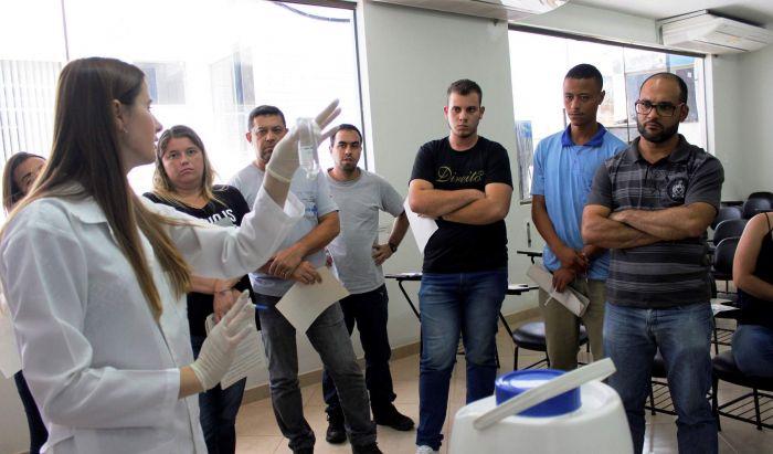 Municípios da Regional de Manhumirim recebem capacitação na coleta de amostras de água - Portal Caparaó