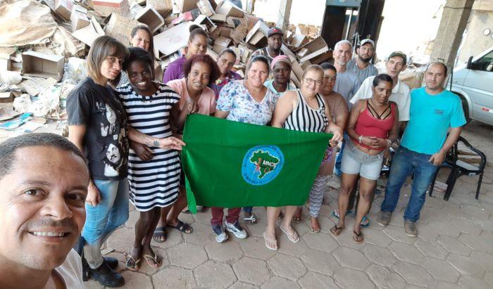 Cooperativa Aguapé assina convênio para melhorias da entidade em Manhumirim - Portal Caparaó