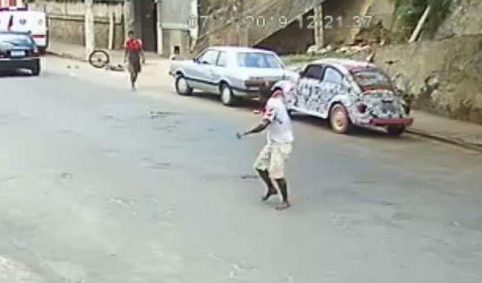Homem é ferido com canivete no centro de Manhumirim - Portal Caparaó