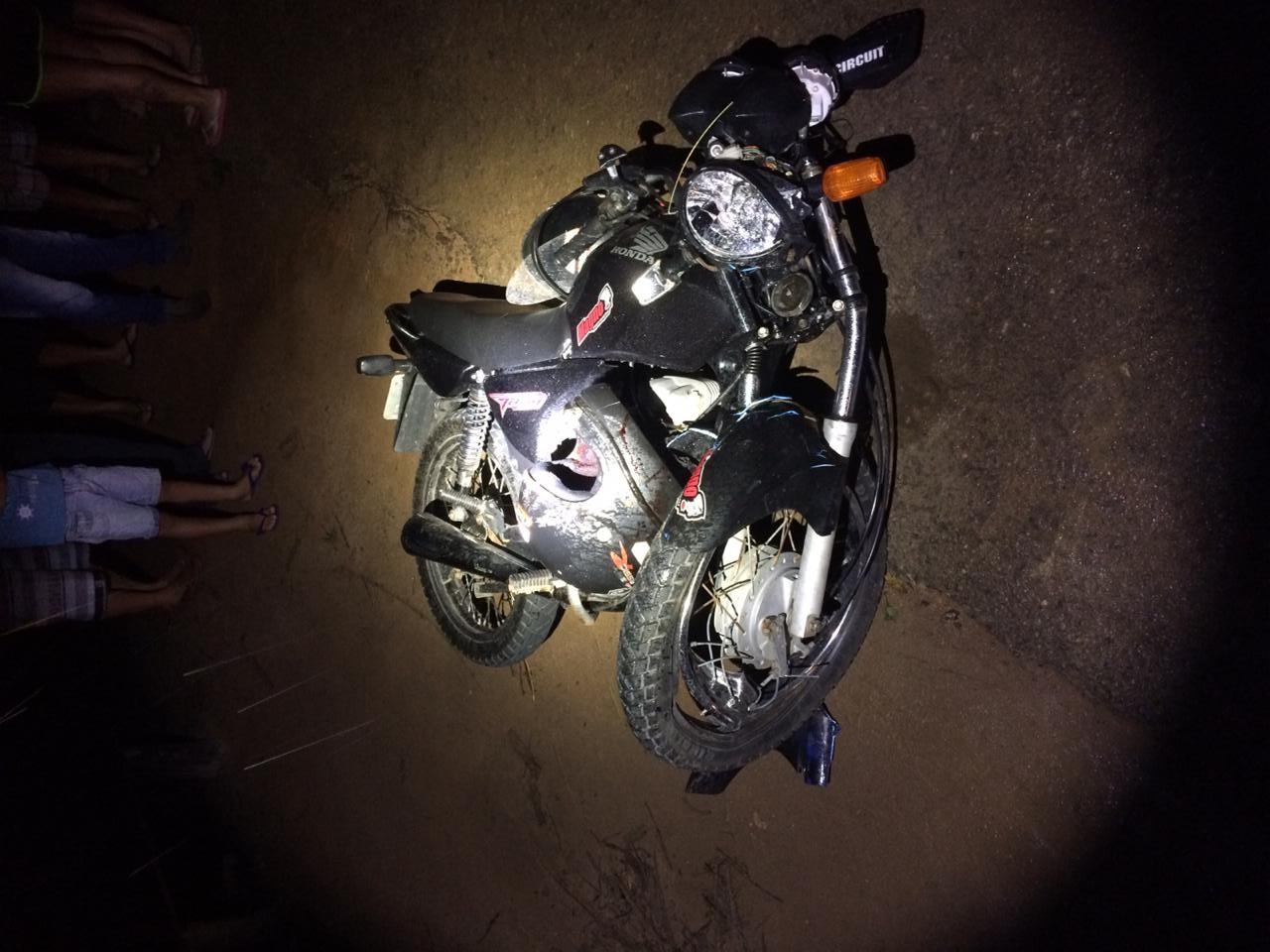 2 feridos 1 morto  em acidente envolvendo motocicletas em Alto Jequitibá