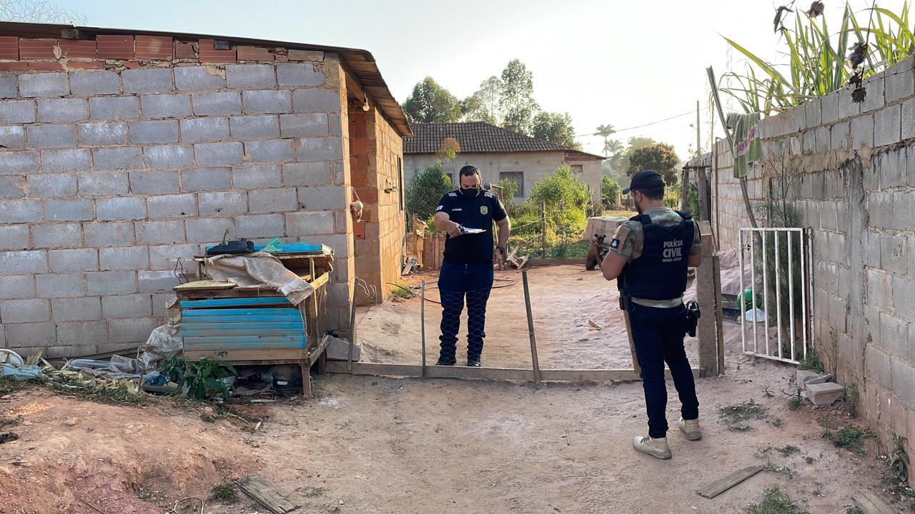 Policiais civis cumprem mandados de busca em Simonésia